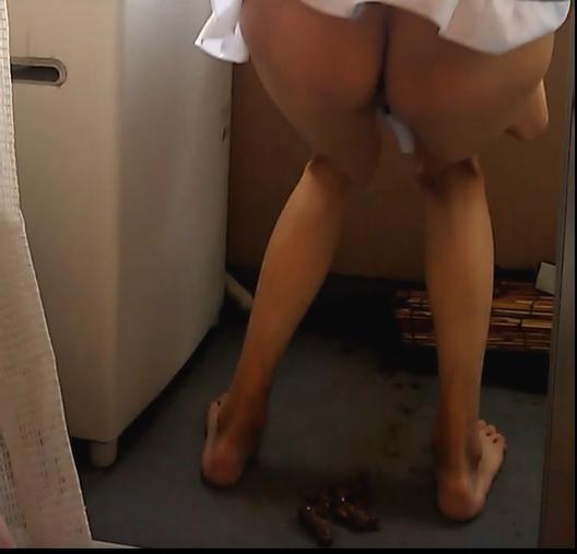 【女装もみじ】 ベランダ脱糞 【メイド服】